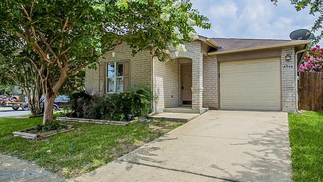 Photo 1 of 15 - 4966 Corian Springs Dr, San Antonio, TX 78247