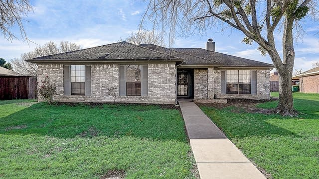 Photo 1 of 40 - 1642 Sunswept Ter, Lewisville, TX 75077