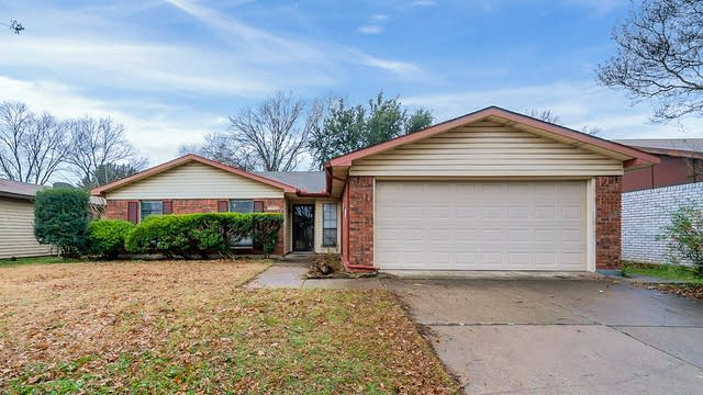 Photo 1 of 24 - 7624 Four Winds Dr, Fort Worth, TX 76133