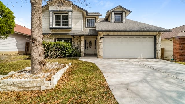 Photo 1 of 25 - 7423 Estrid Trl, San Antonio, TX 78244