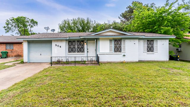 Photo 1 of 20 - 904 Nelson Ter, Bedford, TX 76022