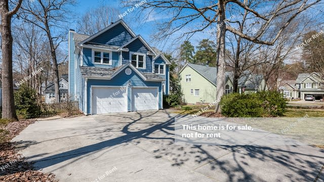 Photo 1 of 27 - 1008 Silverbell Ln, Knightdale, NC 27545