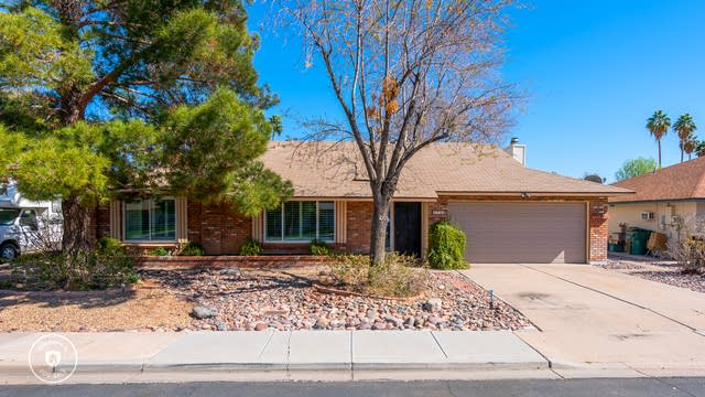 Photo 1 of 28 - 2739 S Emerson Cir, Mesa, AZ 85210