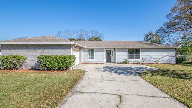 Photo 1 of 15 - 2414 Roslyn Ln, Lakeland, FL 33812