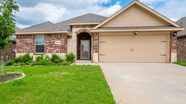 Photo 1 of 26 - 2450 Monty St, Forney, TX 75126