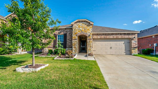 Photo 1 of 19 - 2067 Rosebury Ln, Forney, TX 75126