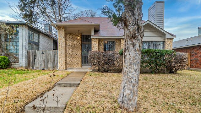 Photo 1 of 16 - 10443 Sand Springs Ave, Dallas, TX 75227