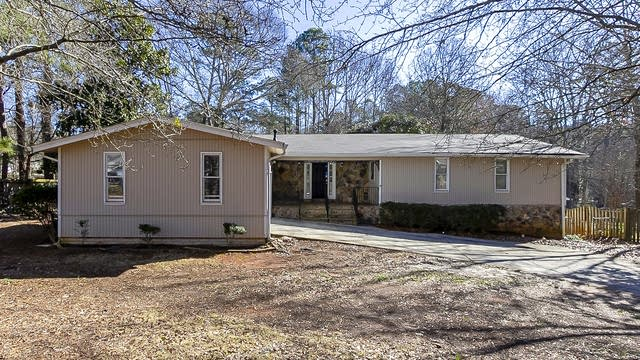Photo 1 of 29 - 3296 Salem East Dr SE, Conyers, GA 30013
