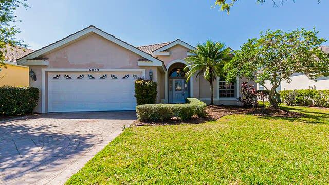 Photo 1 of 36 - 6859 Sagebrush Cir, Sarasota, FL 34243