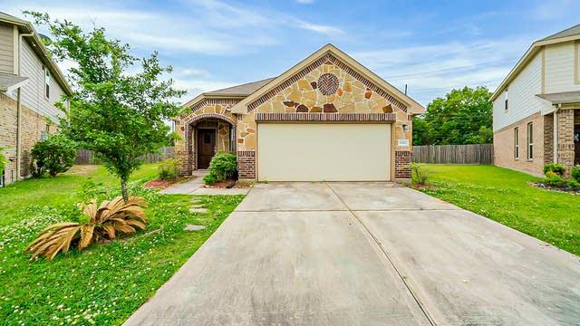 Photo 1 of 32 - 10902 Camarillo Ct, Houston, TX 77088