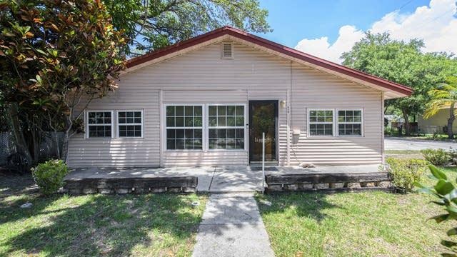 Photo 1 of 17 - 610 Beverly Ave, Largo, FL 33770