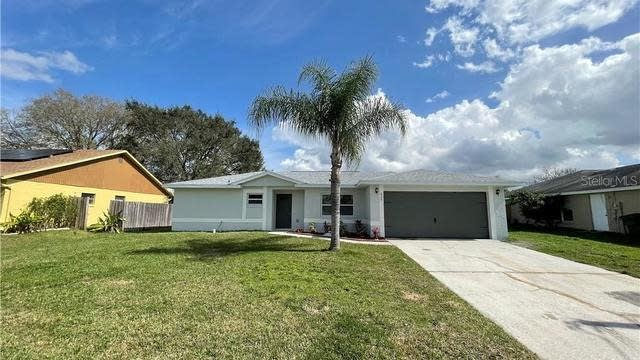 Photo 1 of 31 - 615 Deauville Ct, Kissimmee, FL 34758