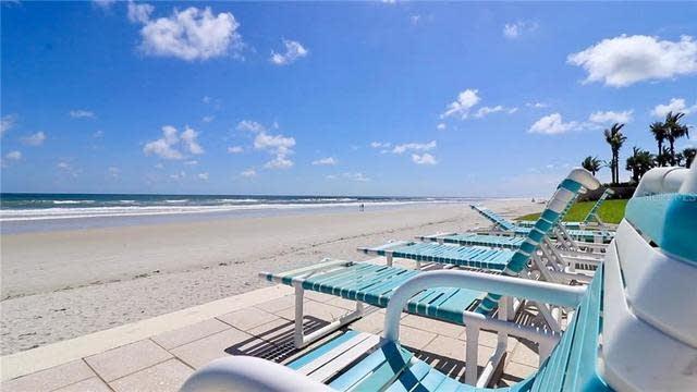 Photo 1 of 25 - 4501 S Atlantic Ave #423, New Smyrna Beach, FL 32169