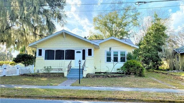 Photo 1 of 42 - 505 Perkins St, Leesburg, FL 34748