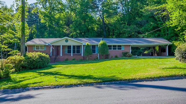 Photo 1 of 43 - 2765 Twin Springs Dr, Snellville, GA 30078