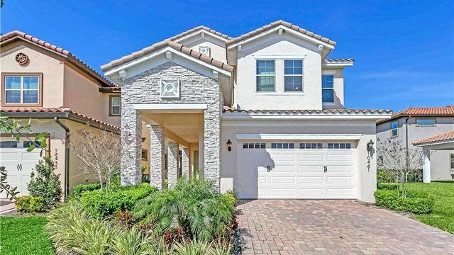 Photo 1 of 37 - 10461 Winwick Ln, Orlando, FL 32832