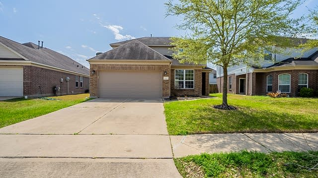Photo 1 of 30 - 19615 Hardwood Ridge Trl, Cypress, TX 77429