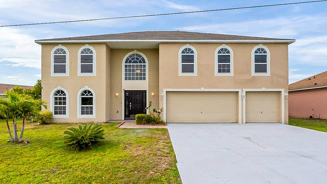 Photo 1 of 38 - 3 Peterlee Ct, Kissimmee, FL 34758