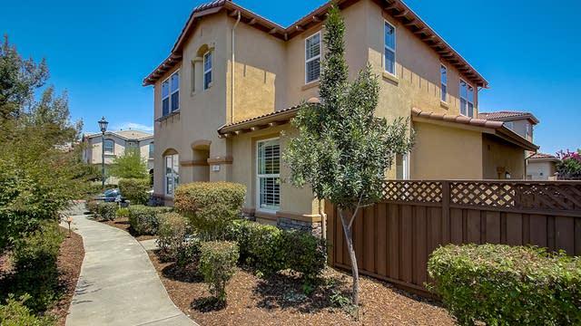 Photo 1 of 36 - 187 Barnhill Dr, Folsom, CA 95630
