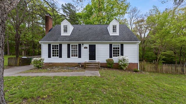 Photo 1 of 19 - 6555 Deermont Ct, Charlotte, NC 28211