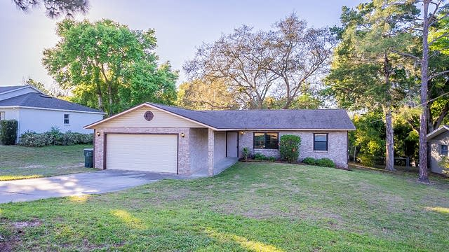 Photo 1 of 30 - 734 Anderson St, Clermont, FL 34711