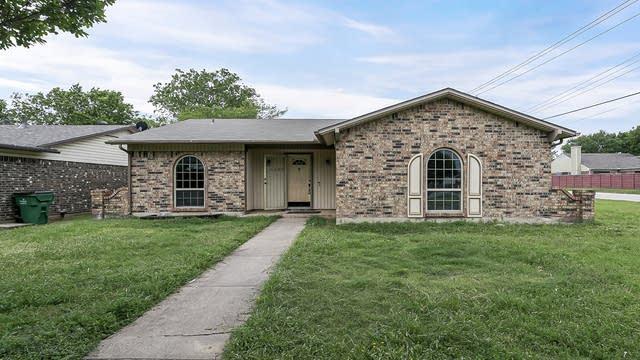 Photo 1 of 23 - 6629 Wooddale Dr, Watauga, TX 76148