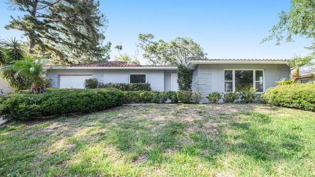 Photo 1 of 15 - 2018 Sandra Dr, Clearwater, FL 33764