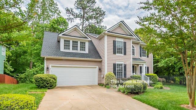 Photo 1 of 28 - 8100 Knebworth Ct, Raleigh, NC 27613