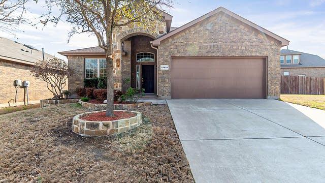 Photo 1 of 23 - 15829 Carlton Oaks Dr, Fort Worth, TX 76177