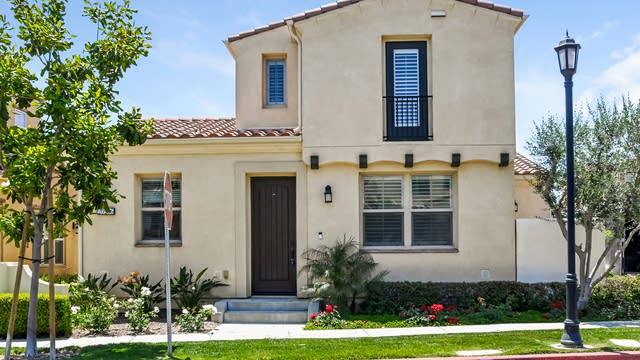 Photo 1 of 27 - 20206 Pienza Ln, Los Angeles, CA 91326