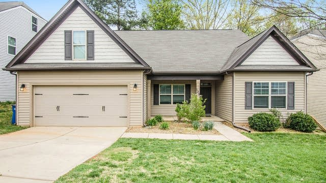 Photo 1 of 40 - 135 Planters Dr, Statesville, NC 28677