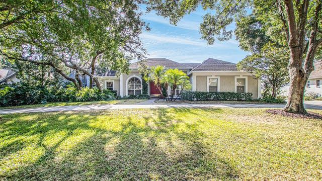 Photo 1 of 18 - 2914 Forest Club Dr, Plant City, FL 33566