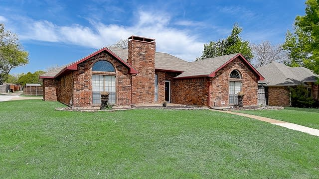 Photo 1 of 42 - 1901 Moore Dr, Plano, TX 75074