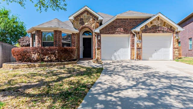 Photo 1 of 27 - 15408 Adlong Dr, Roanoke, TX 76262