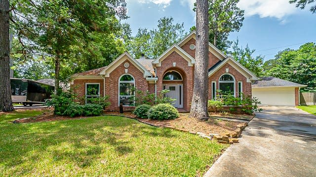 Photo 1 of 39 - 3627 Walnut Forest Ln, Spring, TX 77388