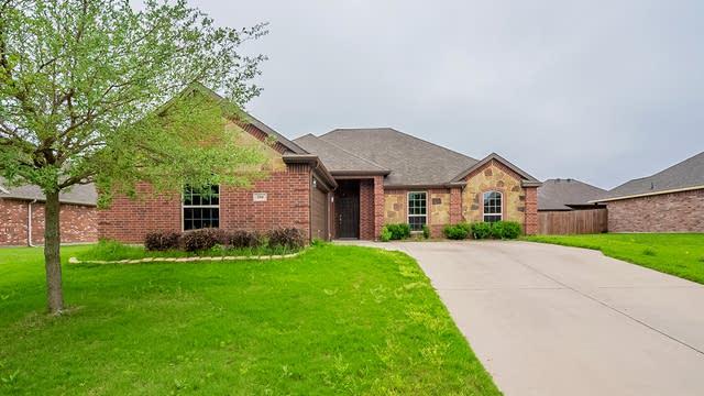 Photo 1 of 25 - 204 Troy Ln, Red Oak, TX 75154