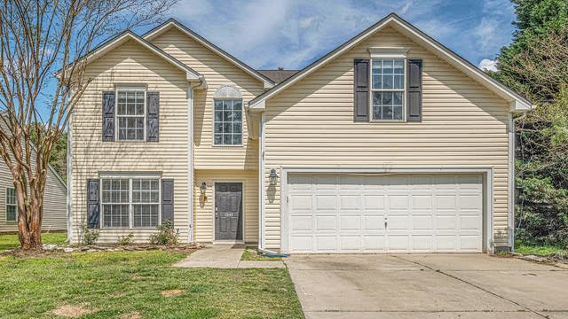Photo 1 of 22 - 1941 Summit Ridge Ln, Kannapolis, NC 28083