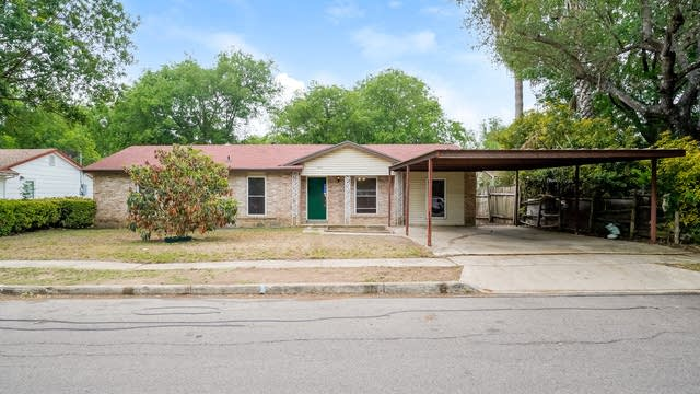 Photo 1 of 27 - 4010 Landmark Dr, San Antonio, TX 78218