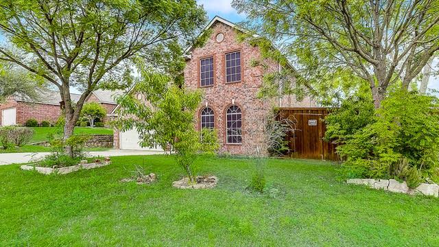 Photo 1 of 44 - 1132 Timberlake Ln, Lewisville, TX 75067