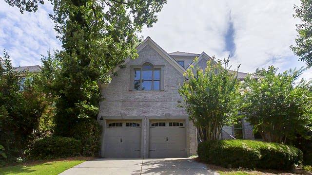 Photo 1 of 31 - 3945 Riverglen Cir, Suwanee, GA 30024