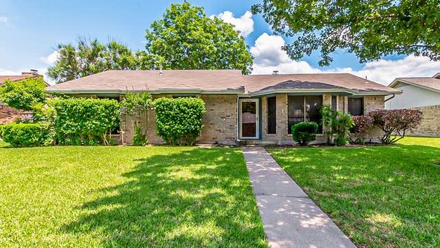 Photo 1 of 28 - 3706 Bond St, Rowlett, TX 75088