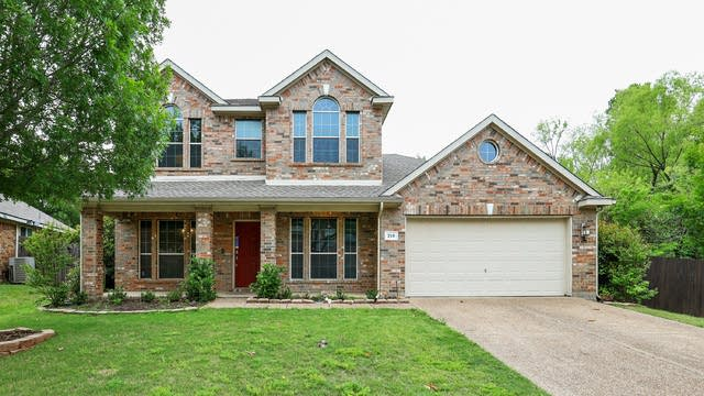 Photo 1 of 27 - 210 Forestridge Dr, Mansfield, TX 76063