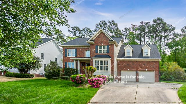Photo 1 of 26 - 508 Edgemore Ave, Cary, NC 27519