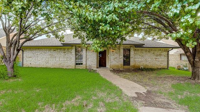 Photo 1 of 44 - 2311 Statler Dr, Carrollton, TX 75007