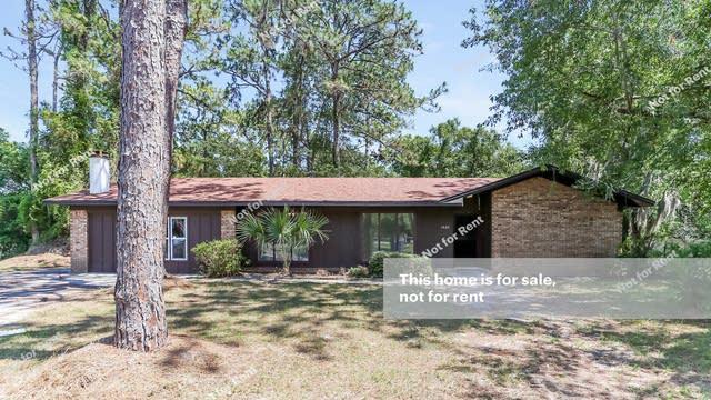 Photo 1 of 27 - 1402 Belleshore Cir, Jacksonville, FL 32218