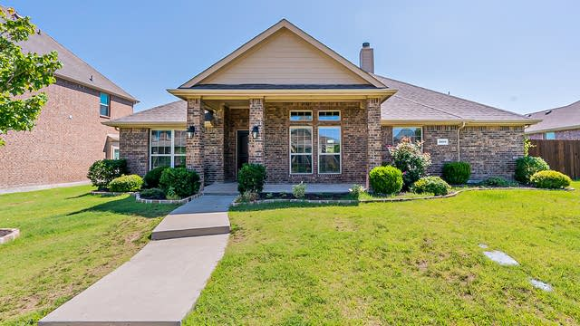 Photo 1 of 28 - 1528 Lochness Ct, Rockwall, TX 75087