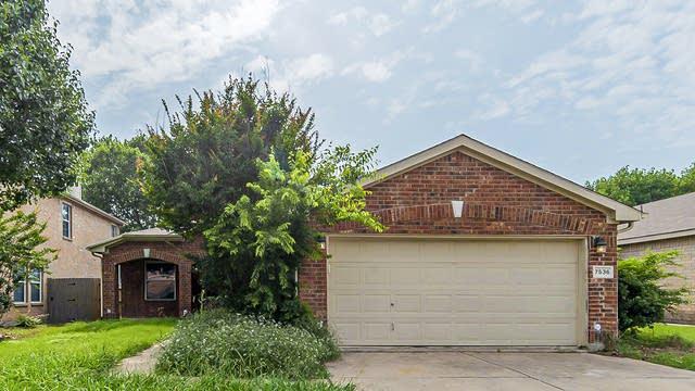 Photo 1 of 19 - 7536 Rock Garden Trl, Fort Worth, TX 76123