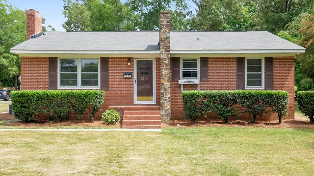 Photo 1 of 17 - 1201 Lucille Ave, Monroe, NC 28112