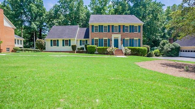 Photo 1 of 34 - 4576 Ashington Dr, Snellville, GA 30039