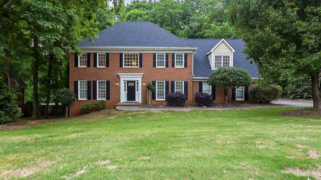 Photo 1 of 36 - 3610 Lester Ct SW, Lilburn, GA 30047